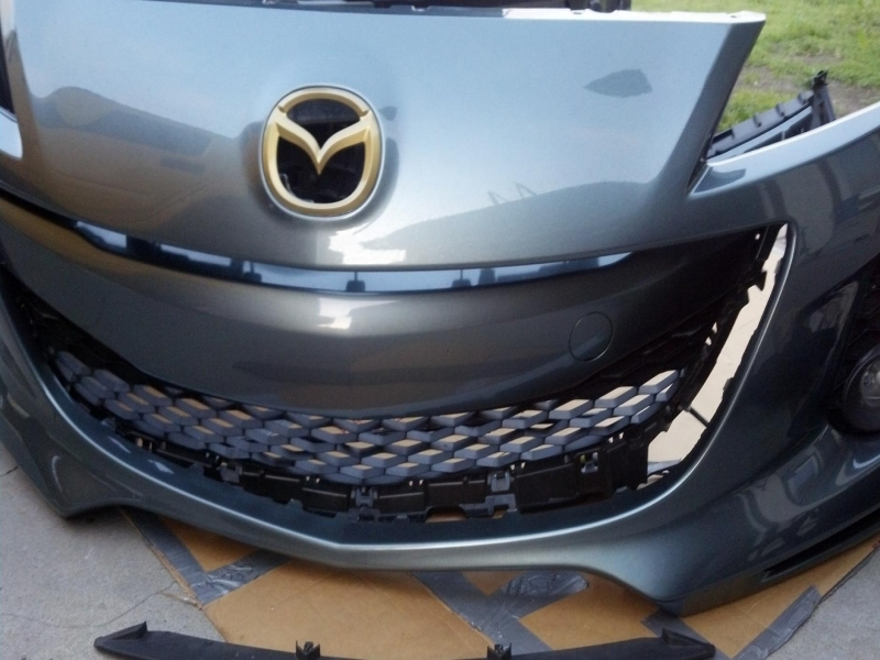 how to remove front bumper and grille insert 2004 to Mazda 3 Front Bumper Replacement 2010 Mazda 3 Front Bumper